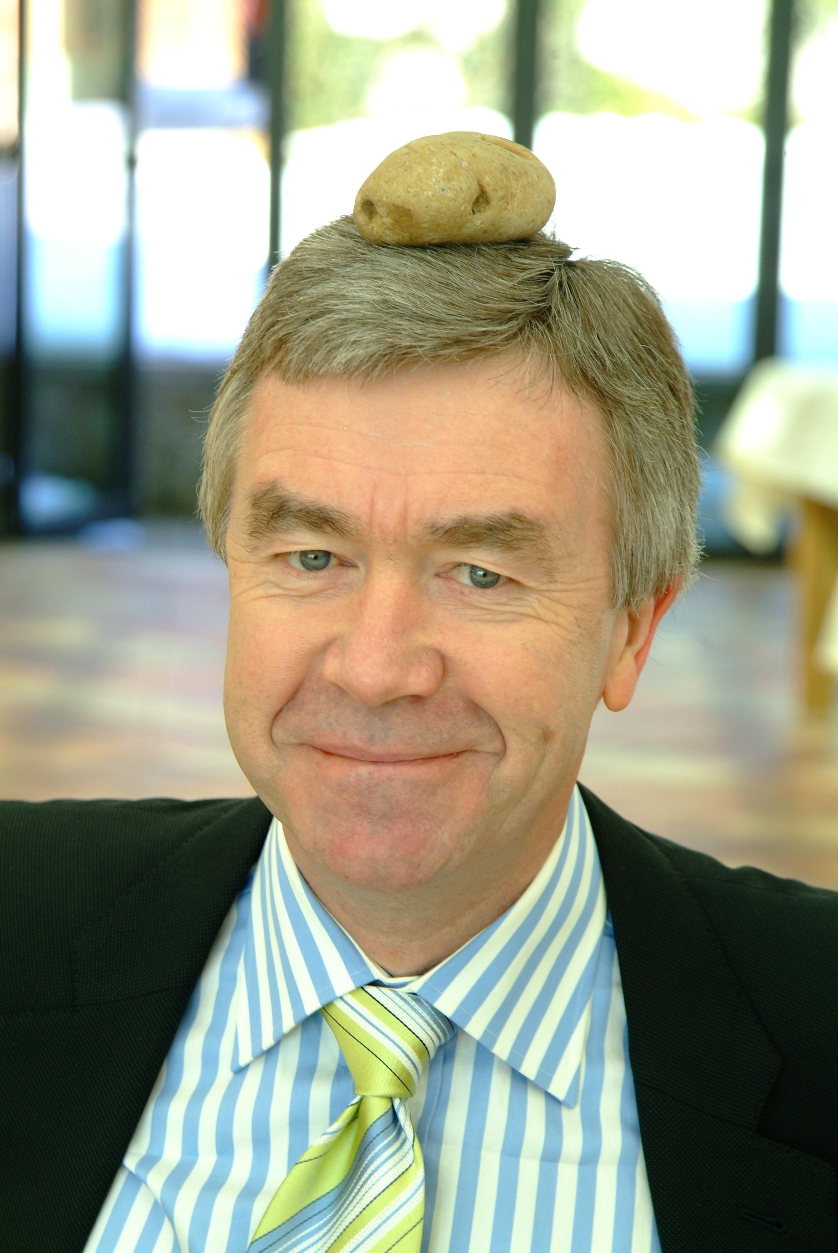 Dr. Oswin Hartung